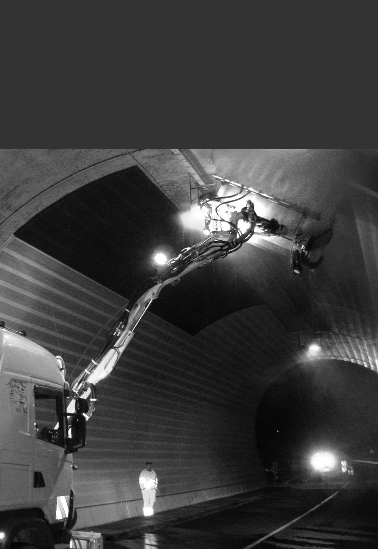 Tunnelreinigungsmaschine im Einsatz
